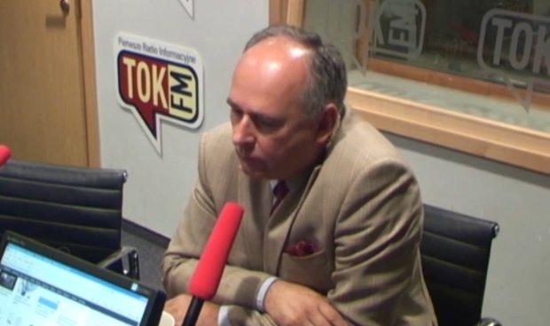 Paweł Zalewski w studiu radia TOK FM