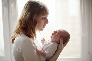 Dyschezja niemowlęca - na czym polega. Czy się ją leczy?