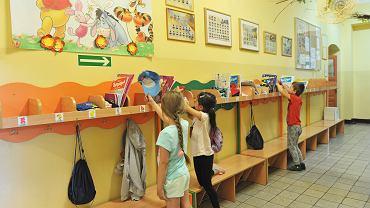 Powrót dzieci do szkół i przedszkoli już po 18 kwietnia? Minister Przemysław Czarnek zapowiedział, że jest to możliwe (zdjęcie ilustracyjne)