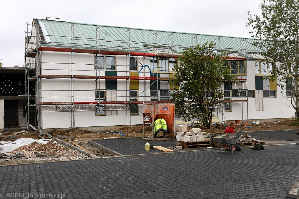 Budowa szkoły przy ul. Ledóchowskiej w 2016 roku