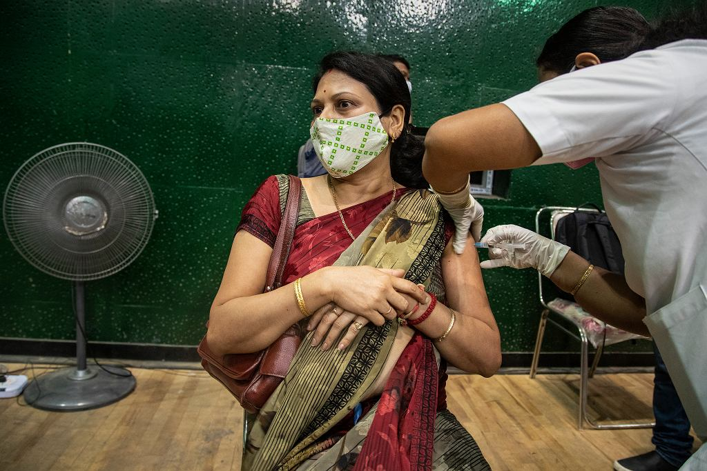 Szczepienia na koronawirusa w Indiach