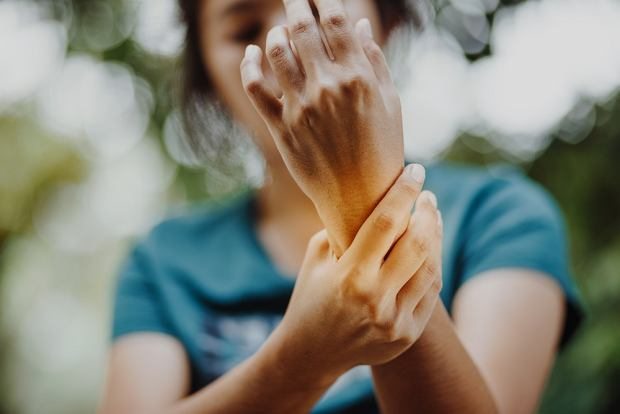 Zapalenie stawów - przyczyny, rodzaje, objawy i leczenie
