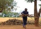 Dać biednym wędkę czy rybę? W Afryce powiódł się eksperyment pomocy finansowej bez zobowiązań