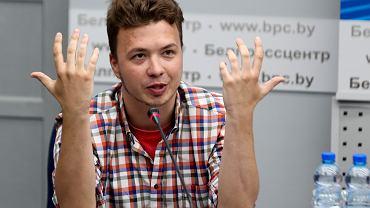 Roman Protasiewicz podczas poniedziałkowej konferencji w Mińsku