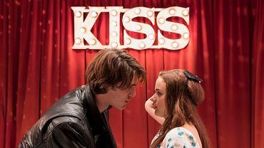 ,,The Kissing Both'