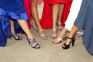 Buty na bal. Jakie obuwie wybrać, aby czuć się dobrze i wyglądać elegancko?