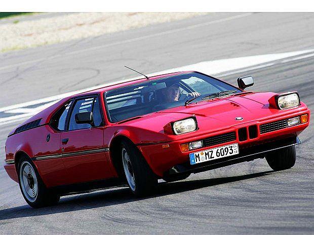 M1 to jedyne BMW z centralnym silnikiem zamocowanym wzdłużnie,