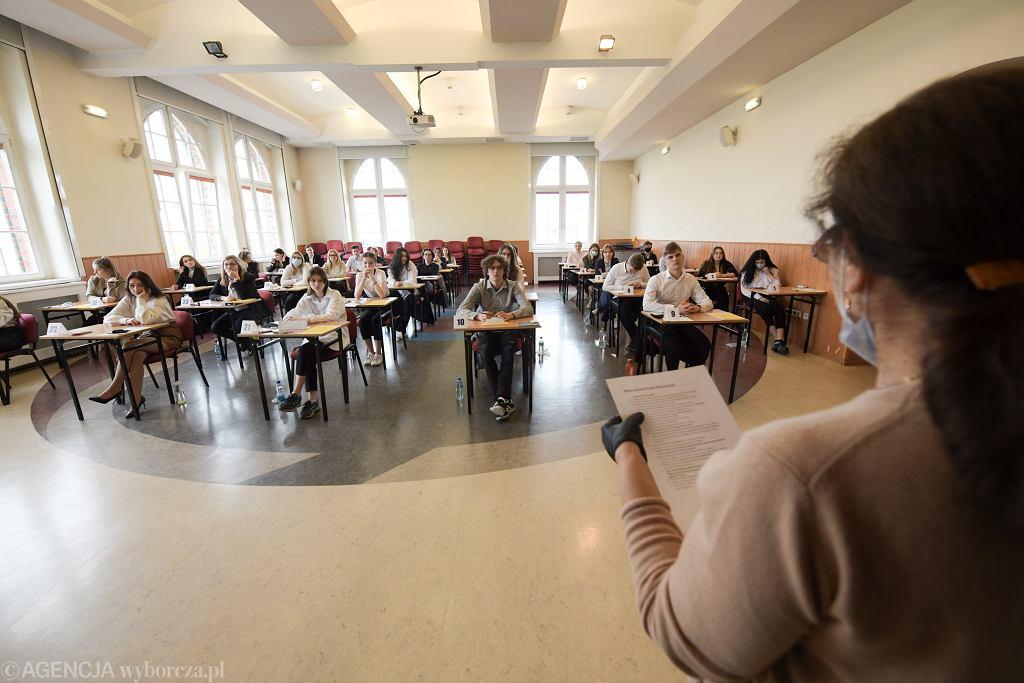 Matura z matematyki w XVII Liceum Ogólnokształcącym we Wrocławiu, 05.05.2021