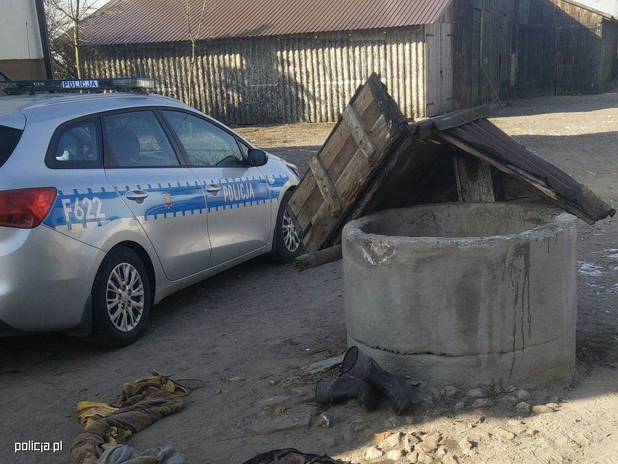 W gminie Warta mężczyzna wpadł do studni