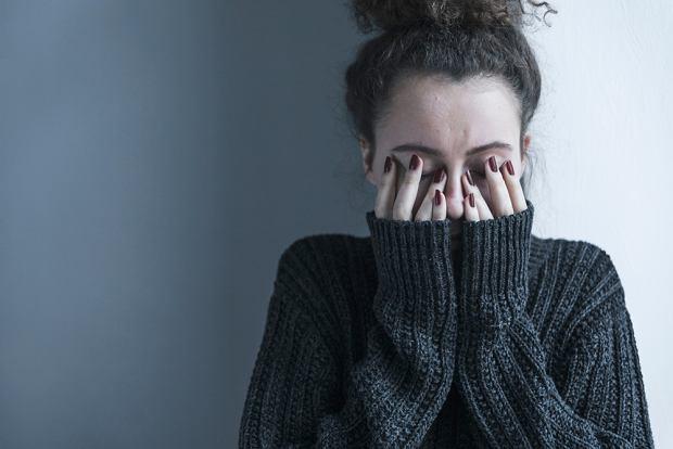 Jako młoda dziewczyna postanowiłam: 'On jest chory, ja go kocham i będę się nim zajmować do końca życia' (fot. Shutterstock)