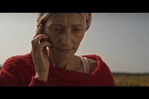Magdalena Popławska w thrillerze, który zaszokował świat. Po raz pierwszy film promuje... książkę