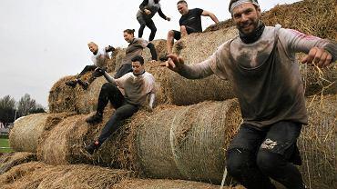 Kilkaset osób ukończyło w niedzielę ekstremalny bieg Runmageddon