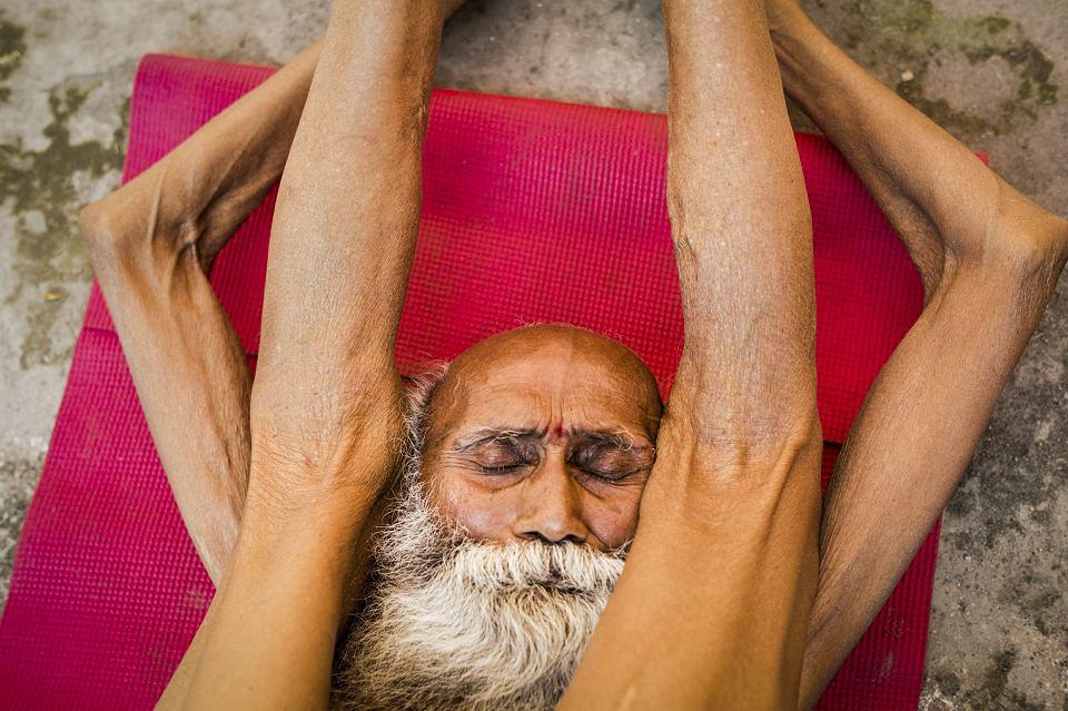 104-letni Swami Yogananda podczas Festiwalu Jogi w Rishikeshu. Twierdził, że sekretem długowieczności jest post. Zmarł dwa lata później