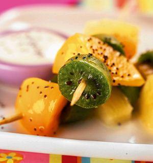 Owocowy szaszłyk z kiwi