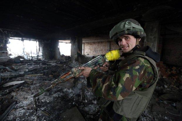 Alexei Varitsky, dwudziestolatek; przed wojną budowlaniec, obecnie wolontariusz z szeregów milicji obywatelskiej Prawego Sektora (fot. Siergiej Loiko)