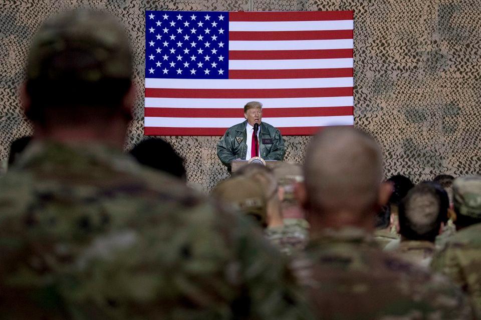 Prezydent Trump podczas wizyty w bazie amerykańskiej w Iraku, 26 grudnia 2018.