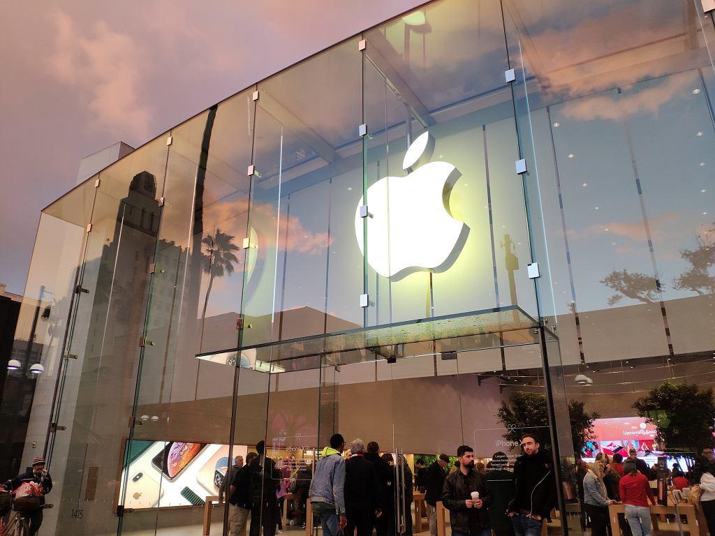 Apple Store przy Third Street Promenade w Santa Monica w Kalifornii