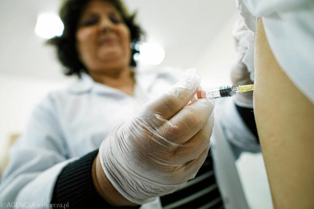 o podaniu dwóch dawek szczepionki brak odporności na odrę wykazuje już tylko około 1% zaszczepionych.
