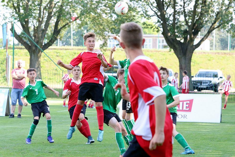 Mecze fazy grupowej gorzowskiego piłkarskiego Mini Euro 2016 zorganizowanego dla 13-latków i młodszych
