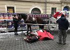 """Po wypadku konia w centrum Krakowa. """"To nie wina dorożkarza"""""""