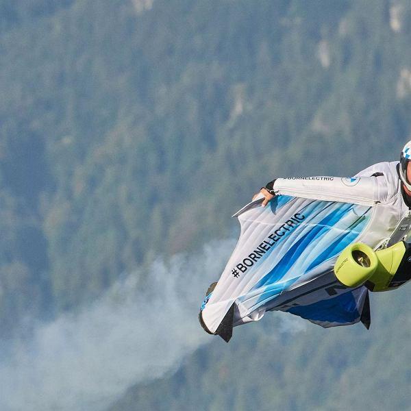 Elektryczny wingsuit