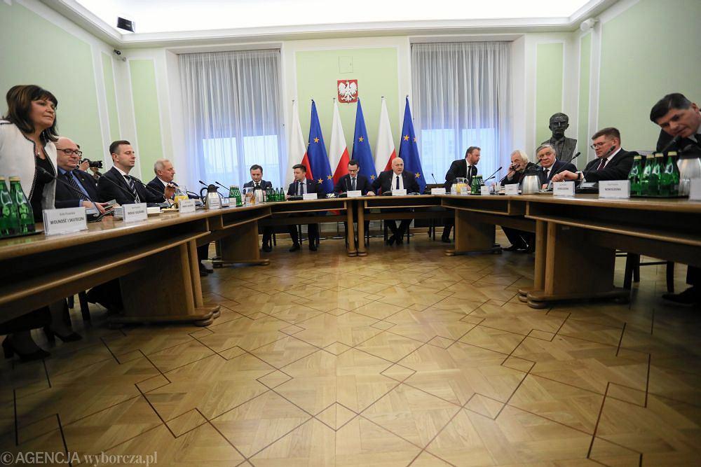 Spotkaniem premiera z klubami w Sejmie