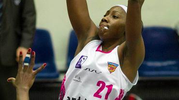 Amisha Carter w barwach Artego
