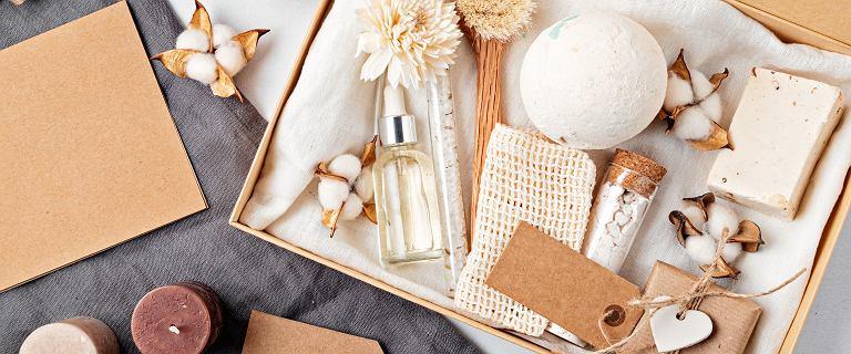 Kosmetyki na prezent, które działają, jak zastrzyk młodości - te zestawy podarunkowe wyglądają luksusowo, a nie kosztują wiele