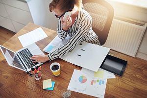 Faktoring i kredyt, czyli dwa sposoby na płynność. Co lepsze?