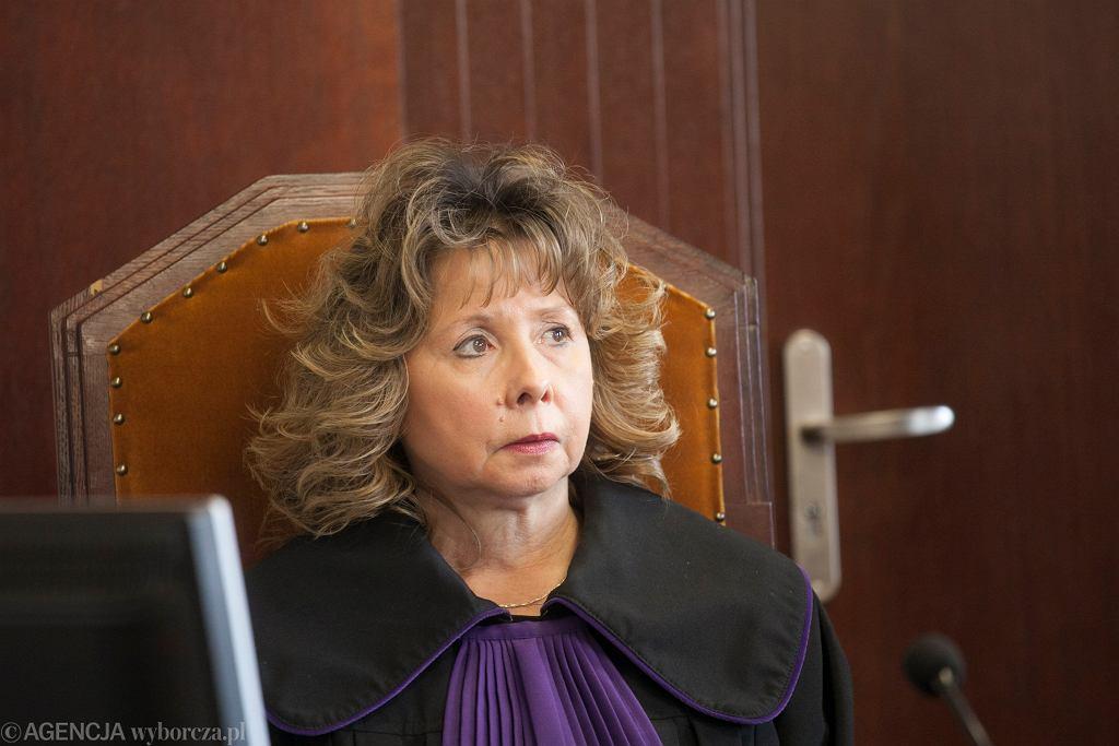 Sędzia Barbara Krameria podczas odczytania wyroku w sprawie pożaru w Piechowicach, w którym zginęło troje dzieci.