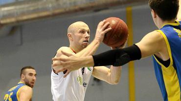 Adam Parzych w  meczu z Pogonią Prudnik rzucił dla Legii najwięcej punktów  - 16.