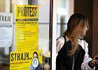 Strajk nauczycieli, dzień czwarty. Powstał fundusz wsparcia, a marszałek radzi: pracujcie dla idei