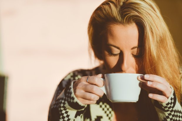 I pamiętaj, zimą trzeba się dobrze nawilżyć. Więc wypij spokojnie ciepłą herbatkę