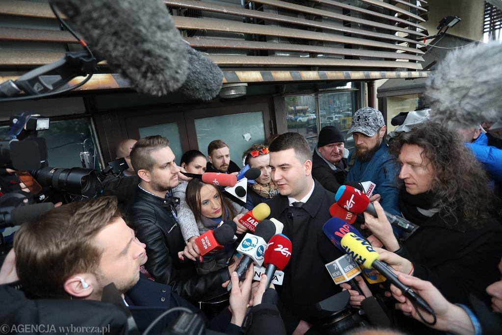 Bartłomiej Misiewicz opuścił siedzibę PiS