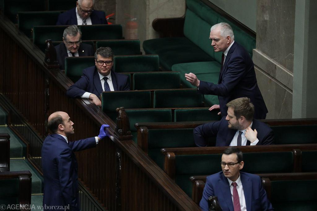 Drugi dzień ósmego posiedzenia Sejmu IX kadencji w czasie epidemii koronawirusa