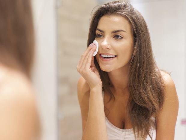 Jak prawidłowo myć twarz
