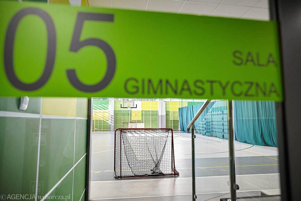 Zdjęcie numer 20 w galerii - VI LO w Gdyni ma wreszcie porządną salę gimnastyczną [ZDJĘCIA]