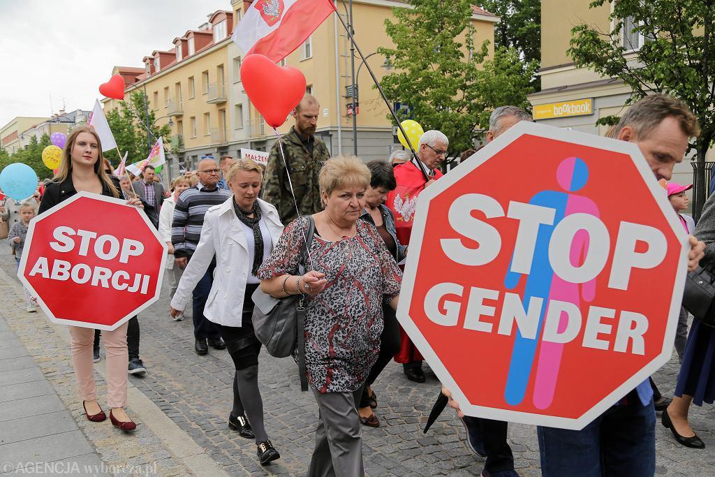 Białystok . Marsz dla życia i rodziny