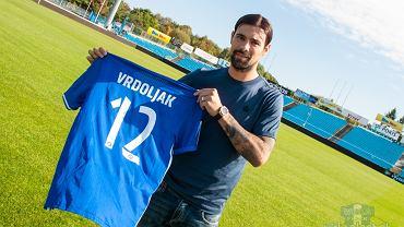 Ivica Vrdoljak z koszulką Wisły Płock