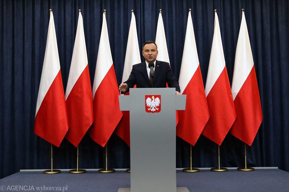 Prezydent RP Andrzej Duda wygłasza oświadczenie (Komisja Europejska uruchomiła wobec Polski art 7). Warszawa, 20 grudnia 2017