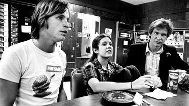 Mark Hamill, Carrie Fisher i Harrison Ford w 1977 r. (fot. materiały prasowe)