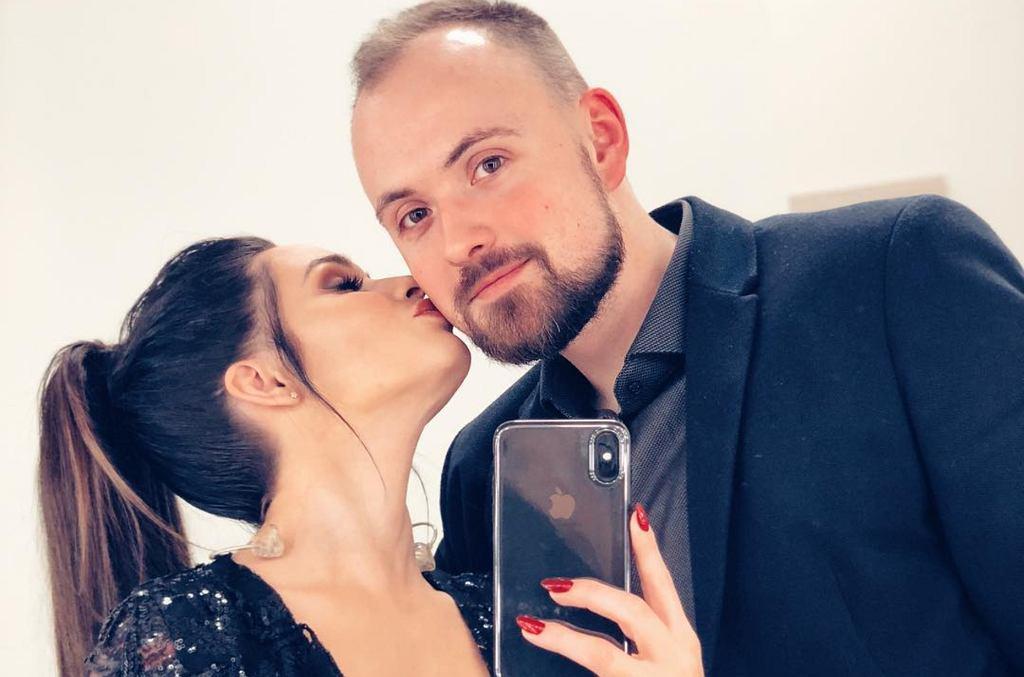 Ewelina Lisowska z partnerem