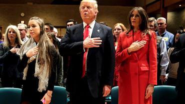 Donald Trump z  żoną Melanią w kościele pod wezwaniem św. Franciszka z Asyżu w West Des Moines (Iowa), 1 lutego 2016 r.