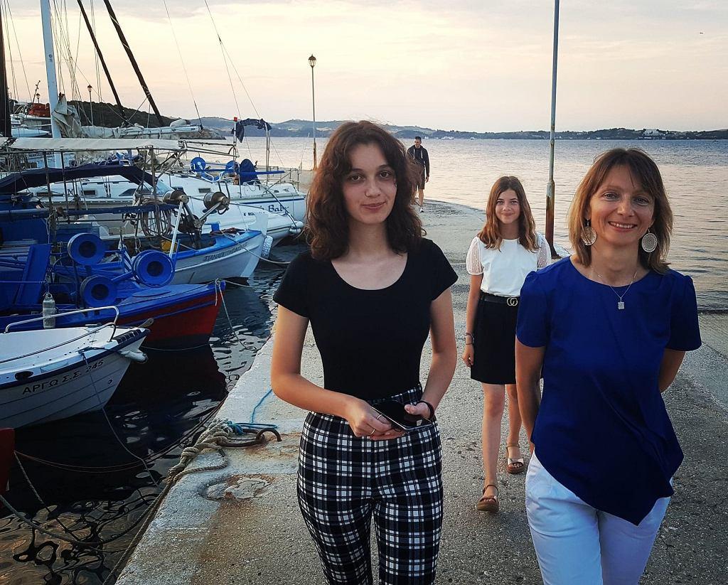 Wśród przyjaciół na Amuliani uwija się Polka Małgorzata Jurny, która mieszka tu od 16 już lat