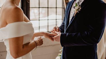 Ślub z obywatelem USA w Polsce to mnóstwo formalności