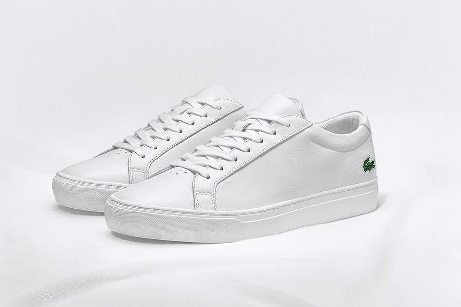 białe buty sportowe lacoste