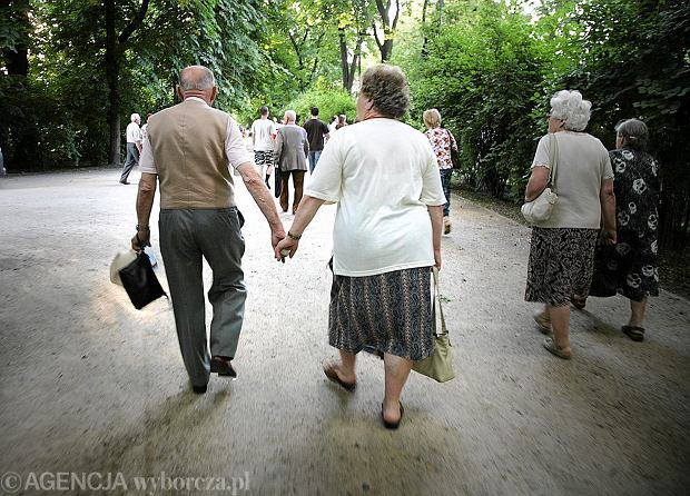 Czternasta emerytura dla kogo? Nie wszyscy seniorzy otrzymają zastrzyk gotówki