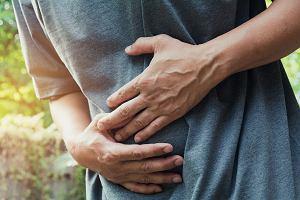 Ból brzucha w okolicy pępka - przyczyny i leczenie