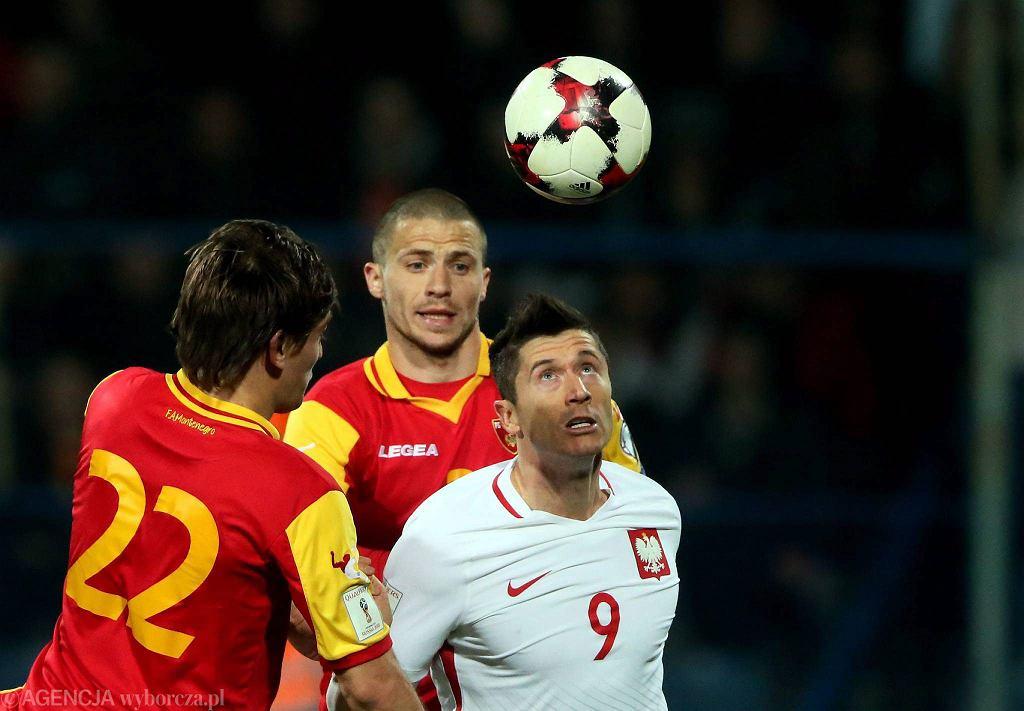 Robert Lewandowski podczas meczu eliminacji mistrzostw świata Czarnogóra - Polska. Podgorica, 23 marca 2017