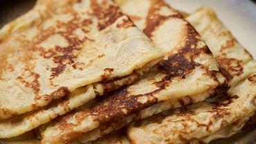 Jak zrobić naleśniki bez jajek, mąki pszennej, mleka? Podpowiadamy
